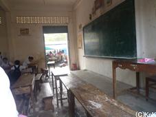 先生が休みで授業がないクラスが多かった
