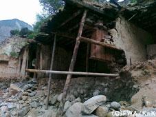 泥に埋まった家/Kohistan