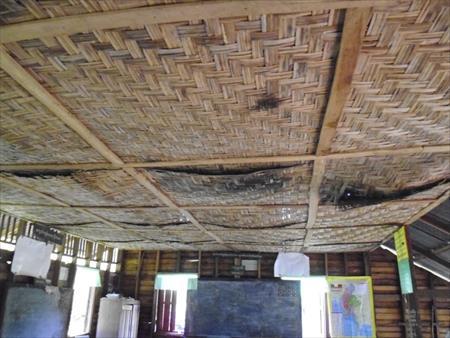 腐敗した天井