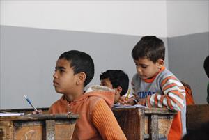 補習授業を受けるシリア難民の子どもたち(1)