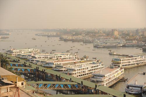 1日数十万人もの利用客がある大港