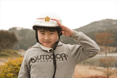2015年2月:ヘルメットもぴったりフィット。今年小学4年生になります!(陸前高田市)
