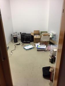 沢山の資料や書類、備品を整理して、ガラーンとした岩手事務所。