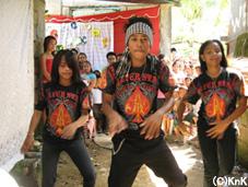迫力のあるダンスを見せてくれた青年たち
