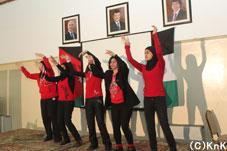 【スポーツ】女子のクラスによる伝統舞踊。