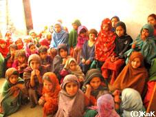 この子たちの村にも女子小学校が完成!