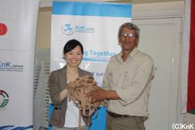 地方ユースセンターからKnK JAPANへゲーム道具の寄贈