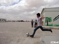 サッカーの授業は男子に大人気!
