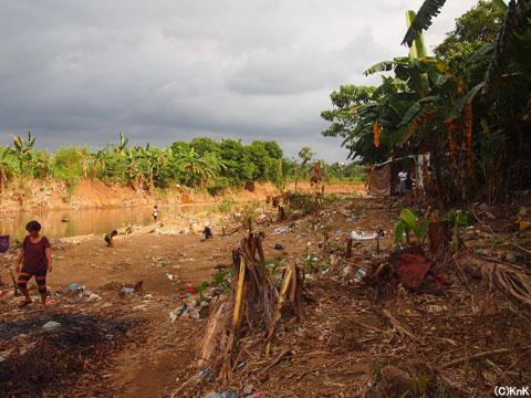 川沿いにあった10世帯は全て流され、1世帯だけが戻ってきていた