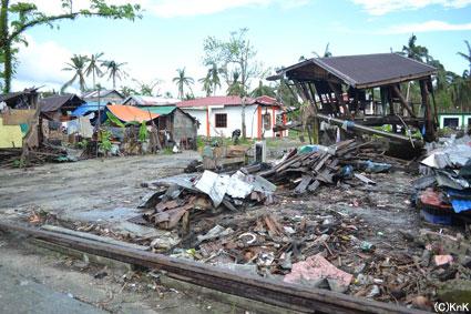コミュニティ全体が被災。(サマール島バサイ)