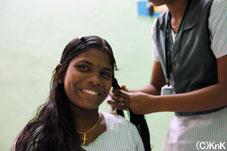 「KnKホーム」で暮らすティラカワディ(15歳