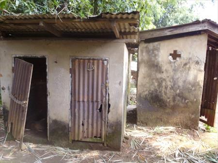 老朽化が進んだトイレ