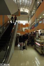 津波以前よりもきれいに なったショッピングモール 客足も増えたという