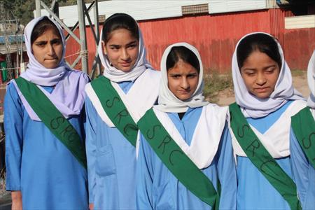 マハジール高校の生徒会では復学キャンペーンを始めました