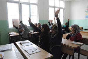 補習授業を受けるシリア難民の子どもたち(3)
