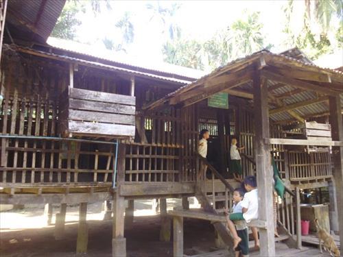 木造校舎(修繕前)
