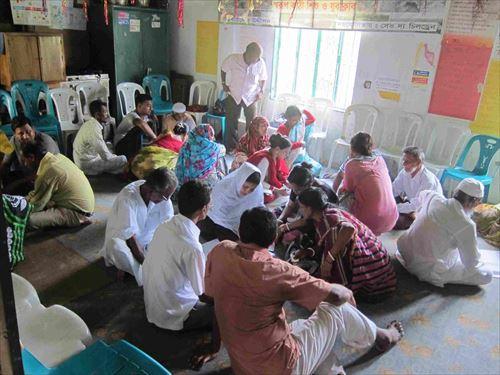 学校の先生方、村のメンバーとのワークショップ