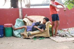 路上で暮らす子どもたち