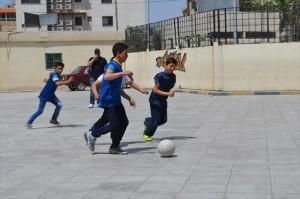 補習授業のサッカーは男子に大人気