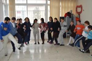 いつも大盛況の伝統舞踊(ダプカ)のクラス