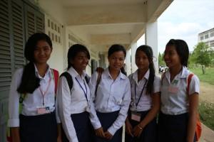 「若者の家」から学校へ